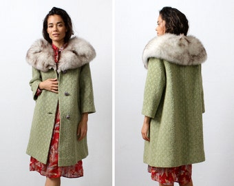 Fox Fur Collar Boucle Coat M • Green Wool Coat • Fox Fur Coat • 60s Coat • Winter Coat • Fox Fur Jacket • Winter Coats for Women | O339