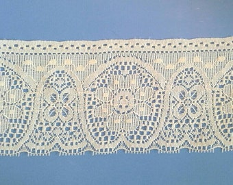 Ecru Flat Floral Lace Sewing Trim 3 Yards by 4 Inches Wide L0604S