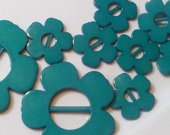 Turquoise   Retro Flower Shaped Plastic Buckles. 12 Pieces Set, New Old Stock.