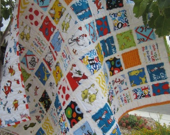 Cat In The Hat .... I Spy....A Fray Edge Quilt for Boy or Girl......Ready to Ship