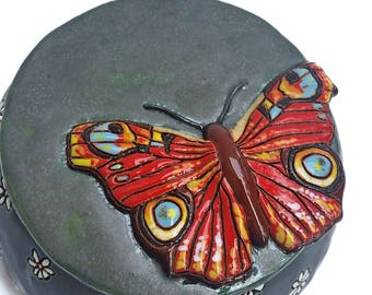 Ceramic box with a resting butterfly