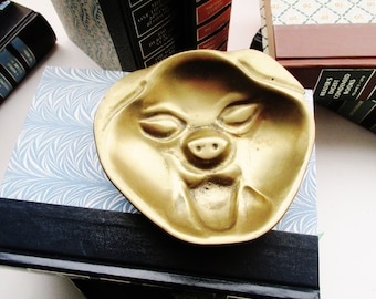 Vintage Brass Pig Trinket Tray, Hollywood Regency Brass Catchall, Pig Collectible, Brass Figural Decor, Coffee Table Decor
