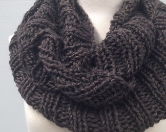 Chunky Knit Brown Cowl, Winter Accessories, Infinity Scarf, Big Chunky Knits