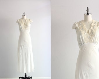 Vintage Nightgown . 1930s 30s Lingerie . White Lingerie Night Gown . Thirties Wedding Bridal Lingerie