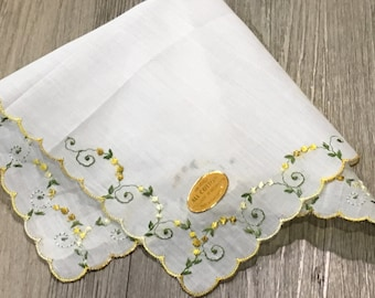 Vintage Yellow Floral Four Corner Embroidered Floral Handkerchief Hanky Scalloped Hem-wedding handkerchief,floral embroidered hanky, yellow
