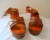Vintage wood and Leather platform Sandals