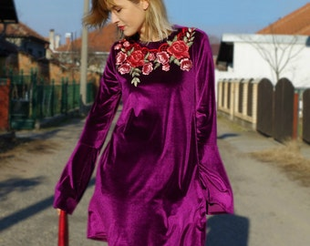 Velvet/Plush Dress with oversized bell sleeves and floral embroidery - Purple