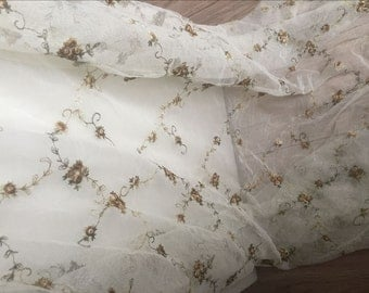 Fabulous Lace Fabric Brown Flower Embroidered Tulle Fabric Dress Bridal Veil Floral Lace Fabric 51 Inches Wide