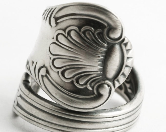 Antique Spoon Ring, Victorian Ring, Sterling Silver Spoon Ring, 1885 Vintage British Shell Ring, Silver Thumb Ring, Adjustable Ring (6588)
