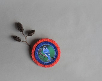 blue jay bird brooch - felt brooch with blue bird - birdwatcher brooch gift - blue and red broach pin - lightweight brooch - bird lover gift