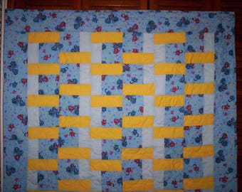 The Cats & the Mouse' Crib Quilt      .......42x47 inches