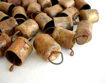 25% OFF - 100 Hand Made Camel Goat Cow Sheep Rusted Mini Bells for Wind Chimes, Altered Art -with Jute Rope - DIY - MV159