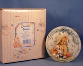 Enesco Cherished Teddies Charity #104140 Girls with Bonnets Plaque Retired With Box