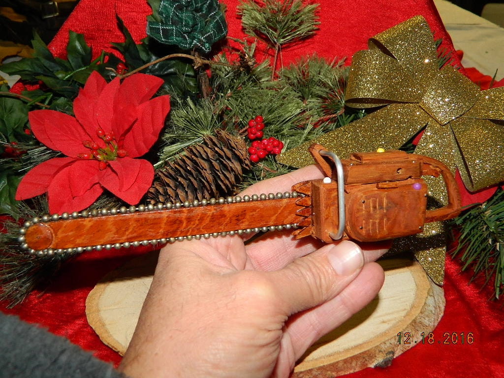 miniature chainsaw. 🔎zoom miniature chainsaw c