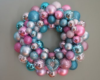 VALENTINE Wreath Aqua Silver Pink Ornament Wreath Aqua Heart