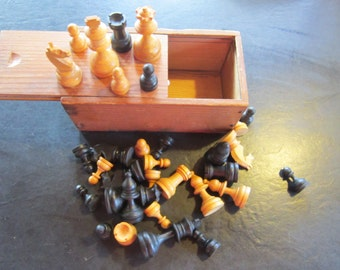 antique all wood chess set..original wood box. chess pieces 32