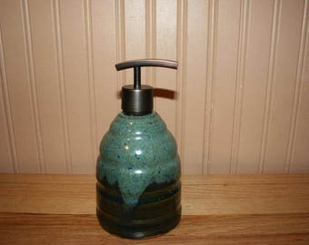 Large green pottery soap dispenser, handmade lotion dispenser, kitchen soap, bathroom soap dispenser