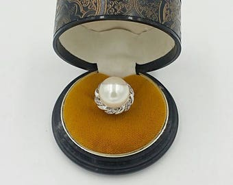 Sterling Silver Pearl Cocktail Ring. Sz 6 High Mounted Full Pearl