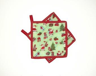 Quilted Pot Holders, Christmas Pot Holders, Santa Claus Decor , Kitchen Decor, Holiday Decor, Christmas Decor, Santa Coasters, Set Of 2