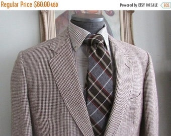 SALE INTO SPRING Vintage Mens Quality Bespoke British Style Tweed Blazer Multi Color Brown See Pics  No Tag About 38 40  Medium