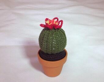 Crochet cactus plant in 7cm ceramic pot