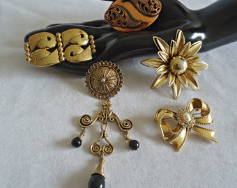 5 Vintage Brooch Pins Brooches Brooch Goldtone Copper Gold tone  Lot J