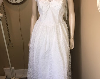 sale !Vintage 1960s Roberta White Tea Length Gown .Rhinestone accents.Taffeta & Lace.Lined w/built in Crinoline.open back zipper.size 7