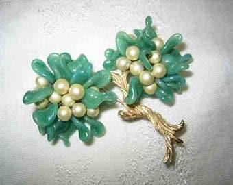 Vintage Stunning Jade Bonzi Tree Brooch
