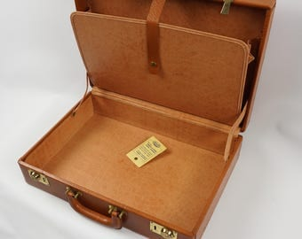 Vintage leather briefcase, mens old briefcase, mad man case case with key