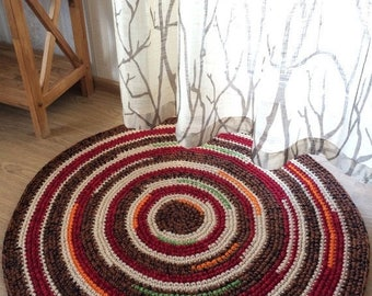 ON SALE Cute hand crochet rug, measures 34 inches in diameter, ready to ship