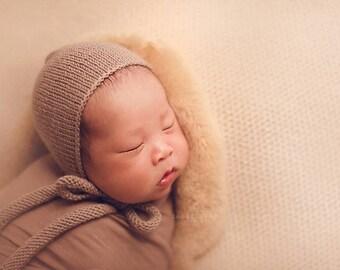 Newborn Photo Props Merino Bonnet Hand Knit Baby Shower Gift Beige Infant Hat Boy Girl Bonnet