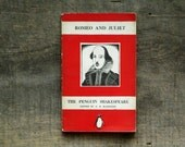 Romeo and Juliet Vintage 1940s William Shakespeare Penguin book