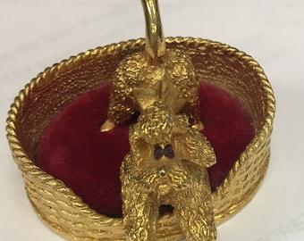 Florenza golden Poodle ring holder