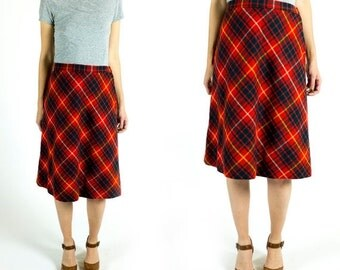 HOLIDAY SALE Vintage 1960s or 1970s Bright Red and Green Wool Blend Plaid High Waisted A-Line Midi Mid Length Pencil Skirt Size M Medium