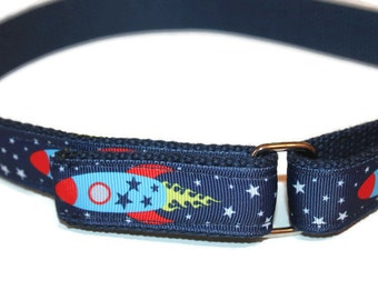 Kids Space Ship Belt Velcro Belt with Spaceships Outer Space Velcro D Ring Belt Planets Belt Navy School Uniform Rocket Ship Belt for Boys