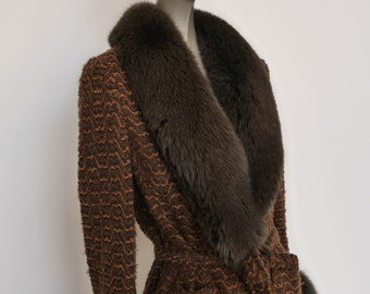 Fabulous boucle jacket with fox fur collar and cuffs. Mid 90s by Graumann Pret a Porter