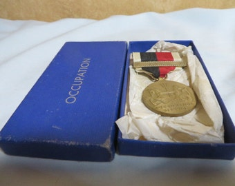 WW2 Vintage US Occupation Medal with Original Case, with Asia Bar
