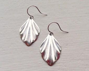 Art Deco Earrings/Lightweight Earrings/Dangle Earrings/Scalloped Earrings/Small Silver Earrings/Silver Earrings/Gift For Her/Dainty Earrings
