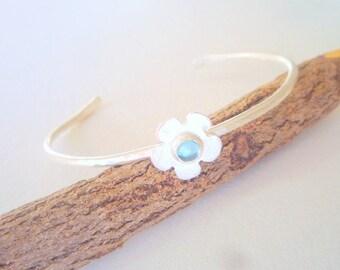 Sterling silver cuff bracelet, Flower bracelet, Blue topaz, sterling silver cuff bracelet,Stacking bracelet, Chic bracelet, Bohemian chic