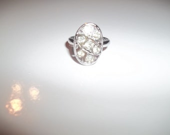 Sarah Coventry Multistone Ring With Seven Clear Rhinestones On Silver Setting