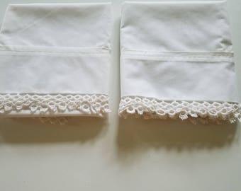 Vtg Tastemaker JP Stevens Pair Pillowcases White Crocheted Edge