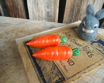 Vintage Salt and Pepper Shaker Set - Spring Garden Carrots - Japan
