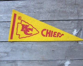 Vintage Football Pennant Kansas City Chiefs 5 x 11 Inch 1980s Era NFL Small Mini Felt Pennant Banner Flag Distressed Vintage Display Sports