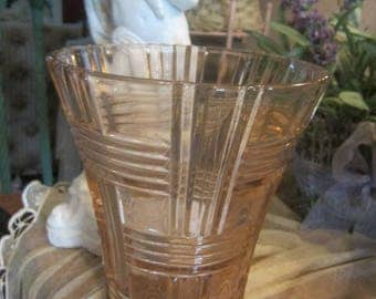 Beautiful Pink Depression Glass Vase Criss-Cross Pattern Vintage Collectible