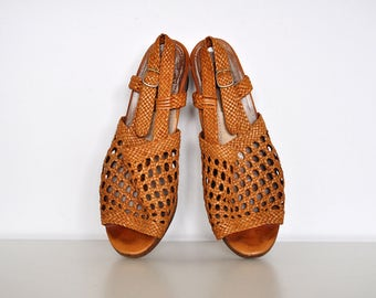 Vintage 70s Braided Leather High Heel Peep Toe Woven Slingback Strappy Sandals