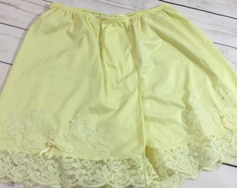 Vintage Yellow Pettipants Bloomers Skort Slip Pantaloons Pillow Tab Small - Medium High Waisted Pin Up Girl Burlesque D028