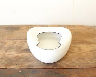 Vintage White Enamelware Porcelain Bed Pan Medical Pot Vintage Container Planter Display Decorating