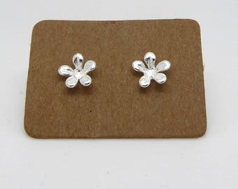 Sterling Silver Flower Stud Earrings/Lovely Bridesmaids/Friends/Mom Gift