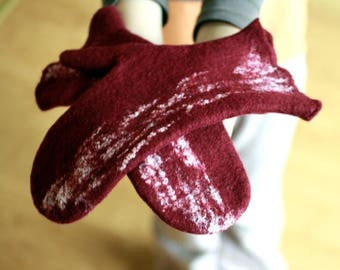 Felted mittens - dark red burgundy wool mittens - autumn fall winter fashion - cozy warm