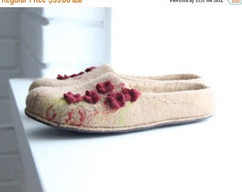 Women slippers - felted slippers from merino wool with small flowers - gift for her - Mothers day gift - made to order - wool house shoes